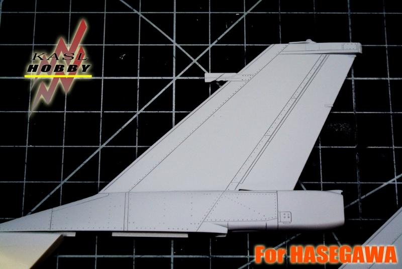F-16A/B MLU Vertical Tail Set (Hasegawa)