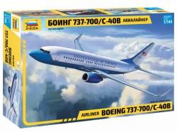 Boeing 737-700/C-40B