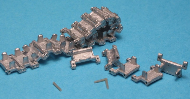 Tracks and Drive Sprockets for BMP-2
