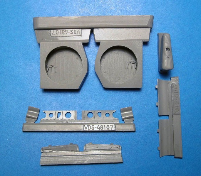 P-40E/N wheel wells with canvas